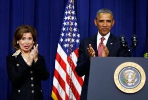 Barack Obama durante la ceremonia en la que nominó a María Contreras-Sweet para encabezar la SBA. (Reuters)