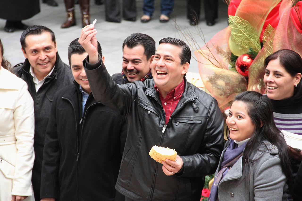 Convive Diputado Ramiro Ramos con personal del Congreso con motivo del día de Reyes