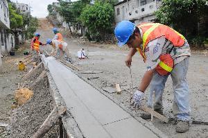 Los Ayuntamientos que inviertan el cien por ciento del recurso asignado para obra pública, recibirán por parte de la Federación un 20 por ciento más de presupuesto, explica José Benítez.