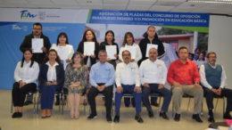 set-032-2017.-entregan_nombramientos_a_docentes_de_educacion_basica_1